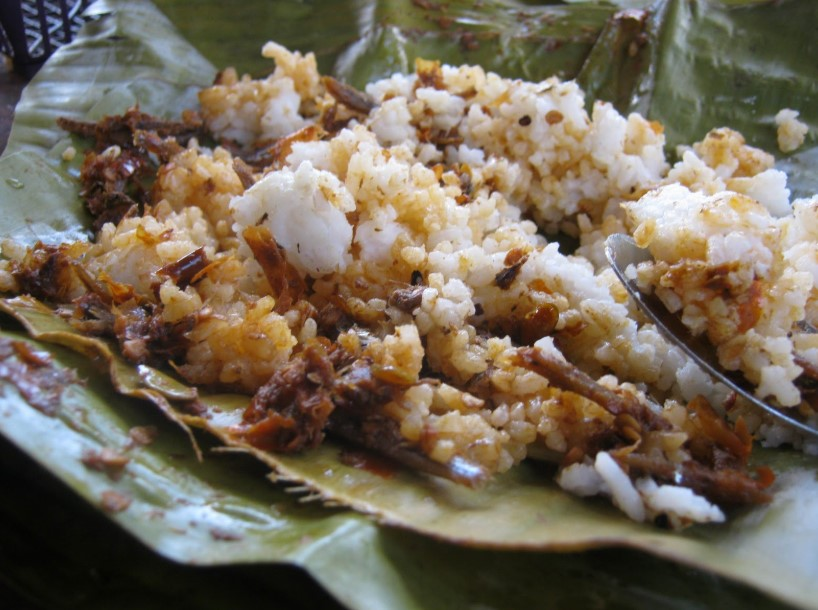 Makanan Khas Trenggalek Sego Tiwul