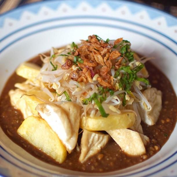 Makanan Khas Surabaya Tahu Tek