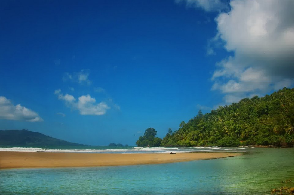 Daya Tarik Wisata Pantai Damas
