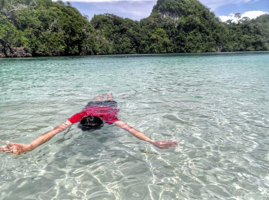 Air Super Jernih Pulau Sempu