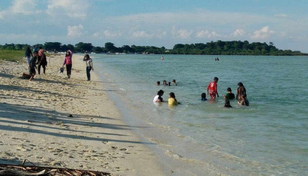 Pantai Labuhan