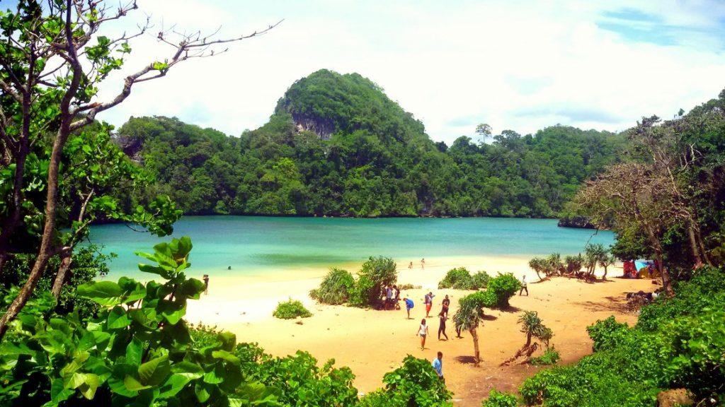 Pesona Pulau Sempu