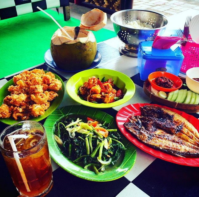 Sea Food Pantai Teluk Penyu