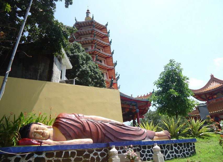 Vihara Buddhagaya Watugong, Semarang