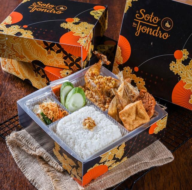 Paket Nasi di Warung Soto Bu Tjondro Pamulang
