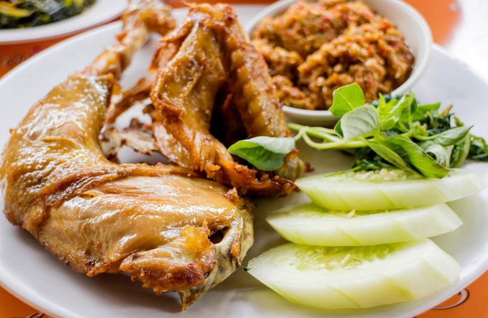 Kelebihan Ayam Goreng Mbah Cemplung
