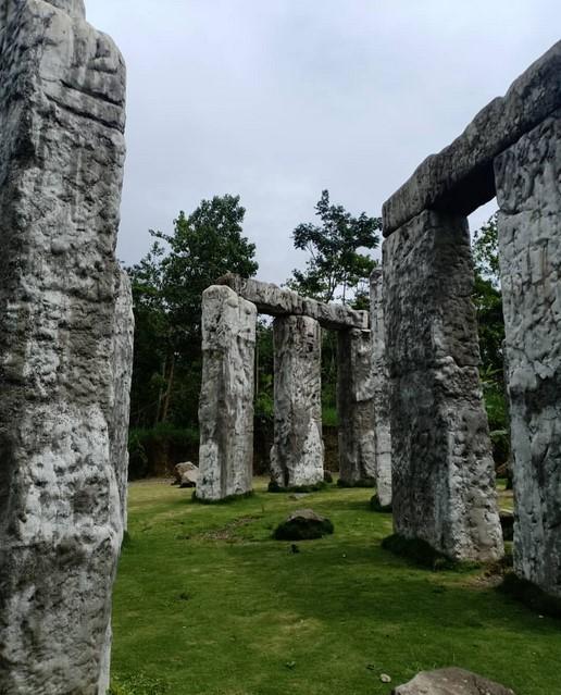 Sejarah Stonehenge Jogja